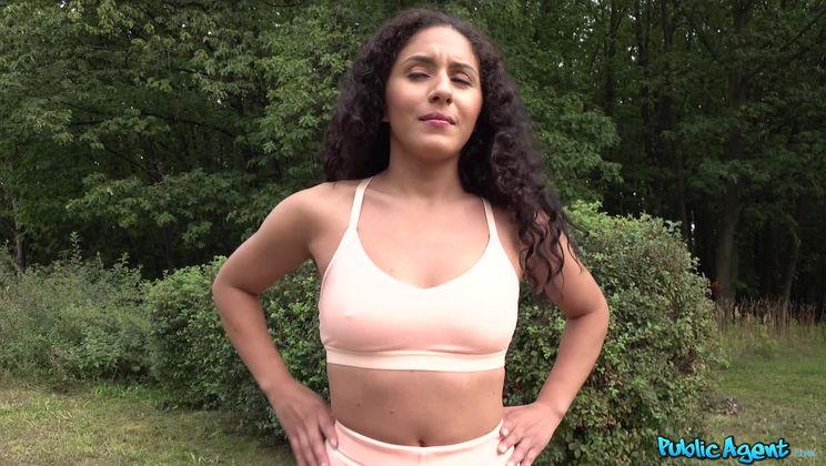 Fitness model fucked in garage
