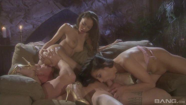 Alexis Love and Audrey Bitoni make this guys threesome fantasy cum true