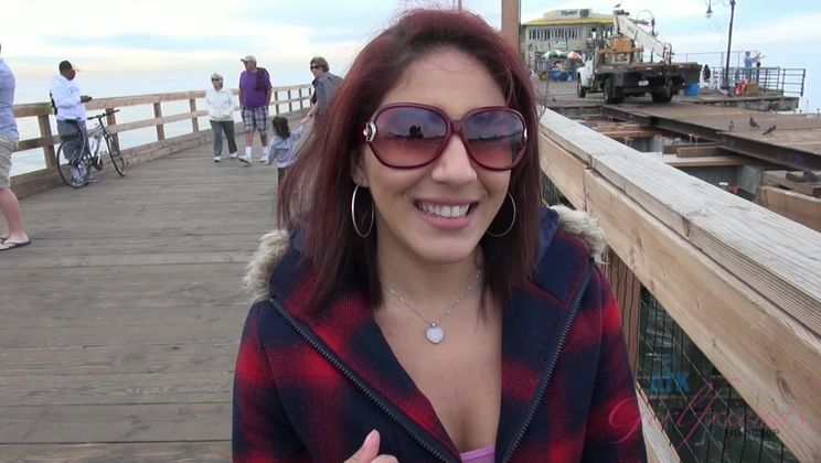 Liv Aguilera Flashes Her Tits on the Ferris Wheel