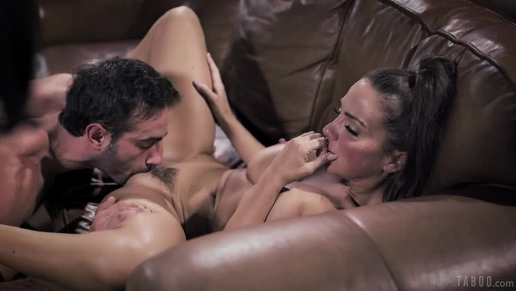 The Casting: An Abigail Mac Story